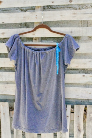 So comfy! We started with a thick cotton large charcoal gray t shirt. We gave is a new neck line and I love the blue cord that Luna added to the top! $30 BUY ME! . Product Code 0006