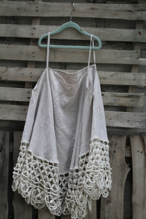 Over the shoulder straps... linen and lace! $60 BUY ME!